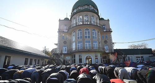 """мечеть """"Ан Надырия"""" в Махачкале. http://kavpolit.ru/tags/mechet/"""