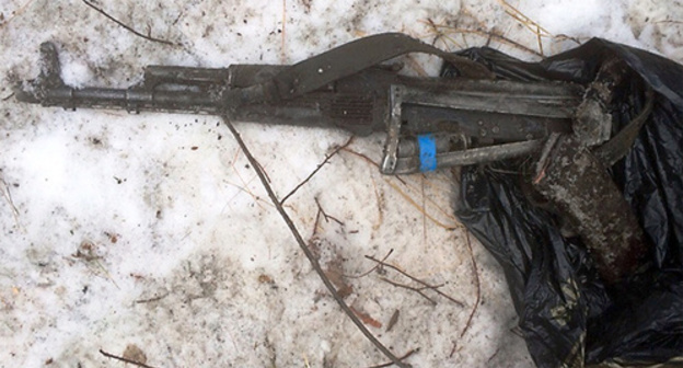 Автоматическое оружие. Фото:  http://nac.gov.ru/nakmessage/2015/12/29/v-dagestane-v-khode-kto-neitralizovan-glavar-bandy.html