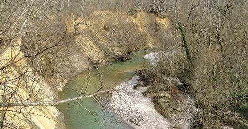 Река Цица. Адыгея. Фото: Экопоселение Цица http://xn--80ap5bb.xn--p1ai/