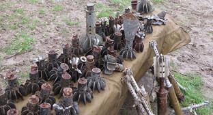 Фрагменты снарядов, собранные после обстрела передовых линий Нагорного Карабаха с азербайджанской стороны. Фото Алвард Григорян