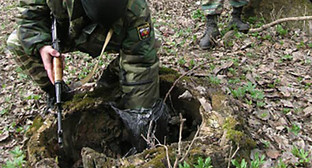Тайник с боеприпасами. Фото: http://www.vestikavkaza.ru/news/V-Botlikhskom-rayone-obnaruzhen-taynik-s-oruzhiem-i-boepripasami.html