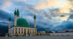 Мечеть в городском поселении Сунжа (станица Орджоникидзевская. Фото: http://100skfo.ru/100-mest/object/92/