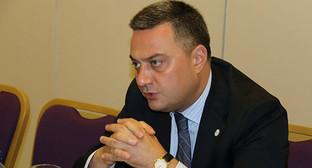 Виктор Долидз. Фото: http://frontnews.ge/ru/news/71025-Свободные-демократы-требует-от-Министра-обороны-Грузии--разъяснить-ситуацию-с-отставками--в-ведомстве