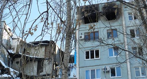 """Разрушенное взрывом многоэтажное здание в Волгограде. Фото Татьяны Филимоновой для """"Кавказского узла"""""""