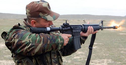 Солдат на огневой позиции. Фото: http://1news.az/news/page1194/