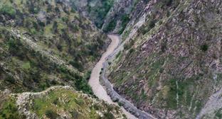 Пропасть в Цунтинском районе. Дагестан. Фото: пресс-служба ГУ МЧС РФ по Республике Дагестан
