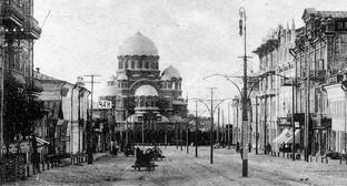 Храм Александра Невского был взорван большевиками в марте 1932 года, его настоятели были расстреляны. Фото: http://sobor-aleksandra-nevskogo.ru/wp-content/uploads/2014/02/old-sobor2.jpg