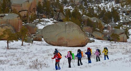 Туристическая группа в горах. Фото: http://07.mchs.gov.ru/pressroom/news/item/3399279/