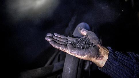 Угольная пыль. Фото: © Sputnik/ Алексей Куденко, http://sputnik-georgia.ru/society/20160227/230378439.html