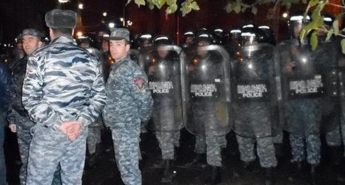 "Полиция в центре Еревана. Декабрь 2015 г. Фото Тиграна Петросяна для ""Кавказского узла"""