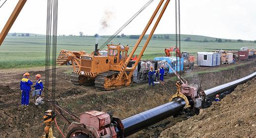 Ремонт газопровода. Фото: http://www.riadagestan.ru/news/company_news/spetsialisty_gazprom_gazoraspredelenie_dagestan_vosstanovili_gazosnabzhenie_18_naselennykh_punktov_/