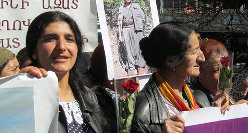 "Курдские женщины на акции в Ереване. Фото Тиграна Петросяна для ""Кавказского узла"""