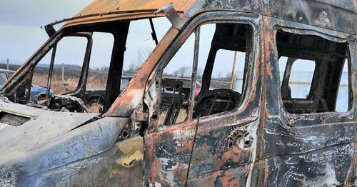 Сгоревший микроавтобус Сводной мобильной группы правозащитников. 10 марта 2016 г. Фото предоставлено Джамбулатом Оздоевым, уполномоченным по правам человека в республике Ингушетия