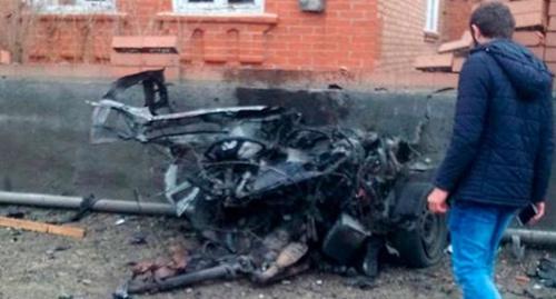 Обломки автомобиля, в котором произошел взрыв в Назрани. Фото: Elise.com.ua