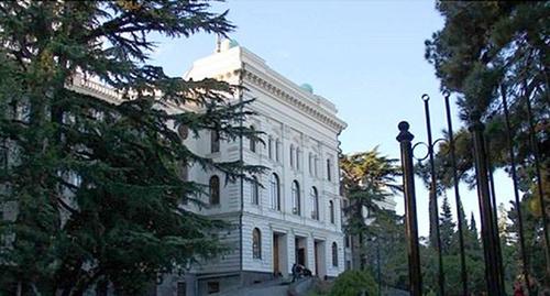 Здание ТГУ. фото: http://sputnik-georgia.ru/society/20160312/230567458.html
