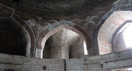 """Здание построено в духе восточно-мусульманской архитетуры. Это бывшая шиитская мечеть. Фото Эммы Марзоевой для """"Кавказского узла"""""""