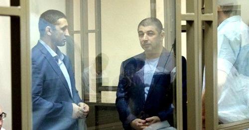 Сергей Зиринов (справа) в зале суда. Фото http://bloknot-volgograd.ru/