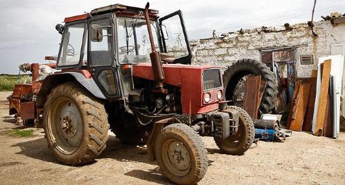 Трактор. Фото: Влад Александров, Yuga.ru