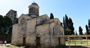 Храм Симона Кананита в Абхазии. Фото: © Sputnik. Томас Тхайцук, http://sputnik-abkhazia.ru/Abkhazia/20160420/1017993975.html