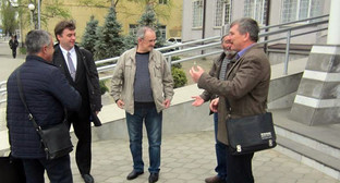 Валерий Бриних у здания суда Фото: Александр Петин