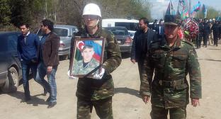 Похороны солдата ВС Азербайджана. © Фото: Вдохновение Мустафа, http://sputnik.az/incidents/20160405/404455167.html