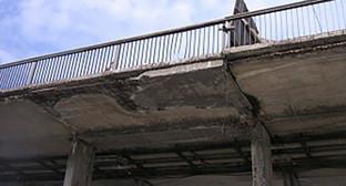 Моста на улице Мальбахова в Нальчике. Фото: http://kbr.news-r.ru/news/society/67222/
