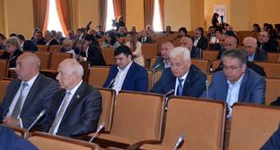 Заседание парламента Северной Осетии. Фото: http://parliament-osetia.ru/index.php/main/news/art/5124
