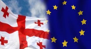 Флаги Грузии и Евросоюза. Коллаж Novisa.org.ua
