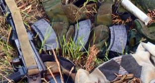 Оружие и боеприпасы. Фото: http://nac.gov.ru/kontrterroristicheskie-operacii/segodnya-nochyu-v-hode-kto-v-dagestane.html