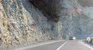 Дорога в Шатойском районе Чечни. Фото: http://ya-kadyrov.livejournal.com/39821.html?thread=6673805