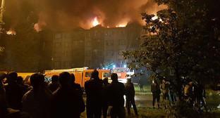 Пожар на улице Яшина в грозном 31.05.2106. Фото: (с) Life, https://www.yuga.ru/news/398072/