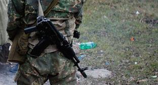 Сотрудник силовых структур. Фото: http://www.riadagestan.ru/news/investigation_and_courts/istochnik_v_podorvavshemsya_avtomobile_peredvigalis_boeviki_lichnost_odnogo_ustanovlena/