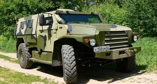 """Бронеавтомобиль """"Тигр"""" Фото: http://suvcar.ru/gaz-2330-tigr-2005-foto/"""