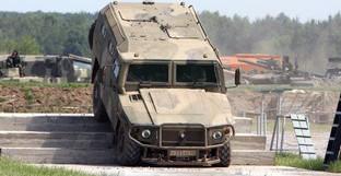 """Военный автомобиль """"Тигр"""". Фото: Виталий Кузьмин, Wikimedia.org"""
