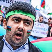 Cover_vystupleniya-uchastnikov-mitinga-neodnokratno-preryvalis-lozungami-_v-otstavku____svoboda___--_azerbaydzhan__-_1_