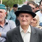 Cover v mitinge prinyali uchastie vse pokoleniya buynaktsev. . foto patimat mahmudovoy dlya kavkazskogo